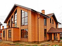 Фасад из декоративного кирпича